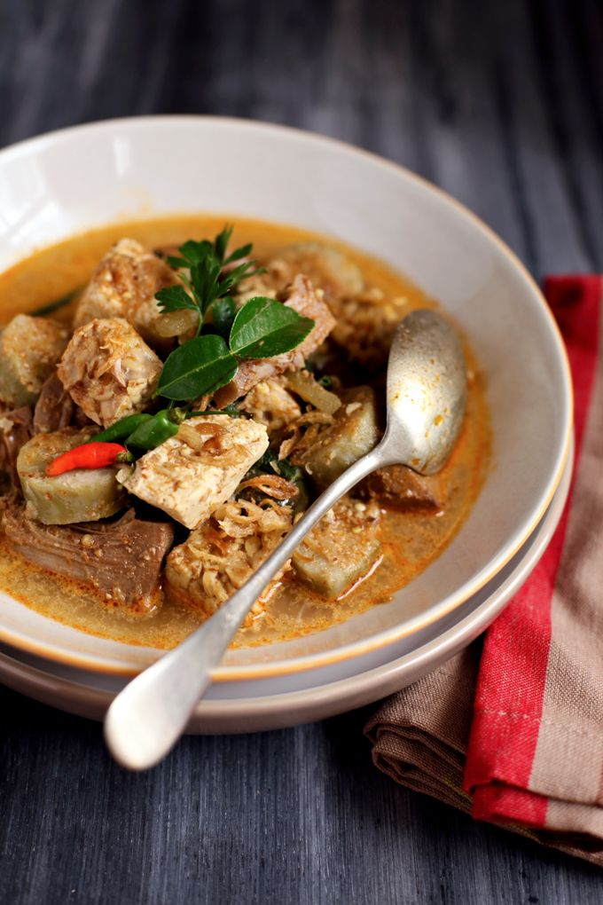 Longtong Lodeh - Variant vegetables stewed in coconut milk serve with rice cakes