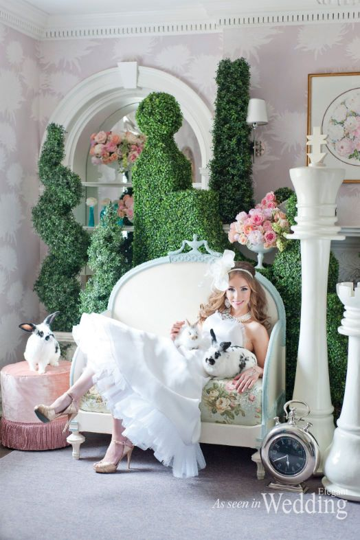 Alice in Wonderland or shall we say Alice in Love Floral & Design : Rachel A. Clingen Wedding & Events Design | Photography: 5ive5ifteen Photo Company |