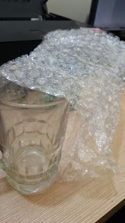 Plastik Gelembung / Bubble Wrap sangat membantu bagi Para Pedagang  yang ingin mengirim barang mudah pecah, rusak. keluar pulau atau antar kota.Tambahan plastik Bubble Wrap pada packingan dapat mengurangi benturan benturan yang terjadi pada saat pengiriman di ekspedisi yang dipilih ,lebih simple, safety dan lain - lain. Bubble Wrap berfungsi untuk membungkus sekaligus melindungi barang - barang mudah pecah / tergores, seperti : Jam tangan, barang elektronik dan sebagainya. 081316140397