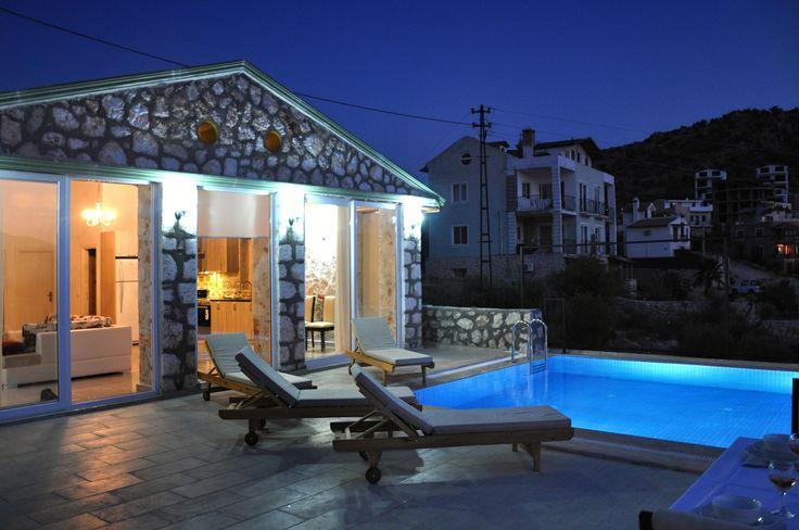 2 odalı taş ev.2014 yapımı.özel yüzme havuzlu.Klimalı. #kalkan #balayı #honeymoon