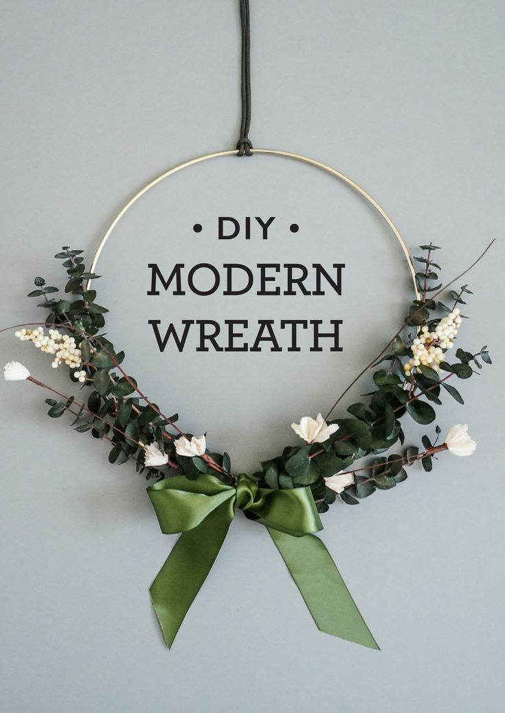 A super simple modern wreath DIY for the holidays!