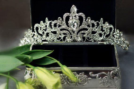 Tiara tiara nupcial de la boda nupcial peluca de por SenceOfBeauty