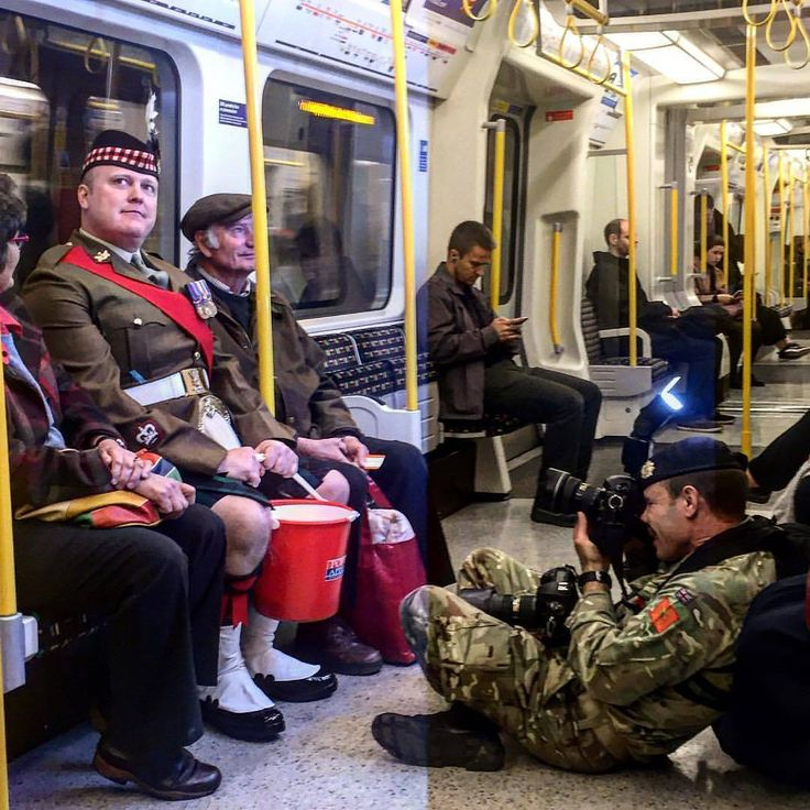 """765 Likes, 3 Comments - Transport for London (@transportforlondon) on Instagram: """"Reposting @isawthismorning  Nice shot of #ldnpoppyday collectors on the Tube this morning. Please…"""""""