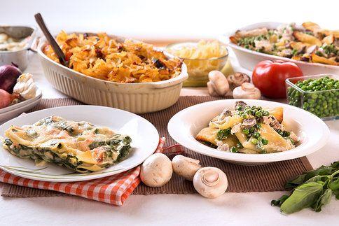 Zapečené těstoviny na tři originální způsoby? Zkuste ty s lososem, kuřetem i rajčaty!