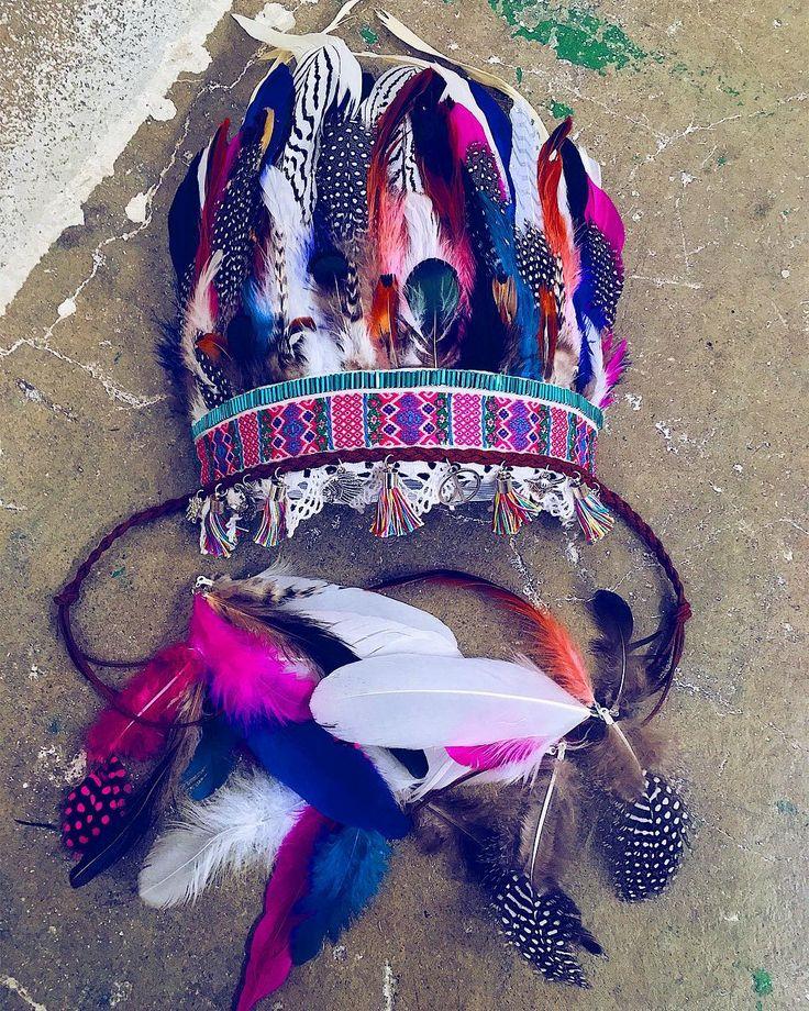 Feather crown by Carbickova bijoux. Shop: www.CarbickovaBijoux.etsy.com.