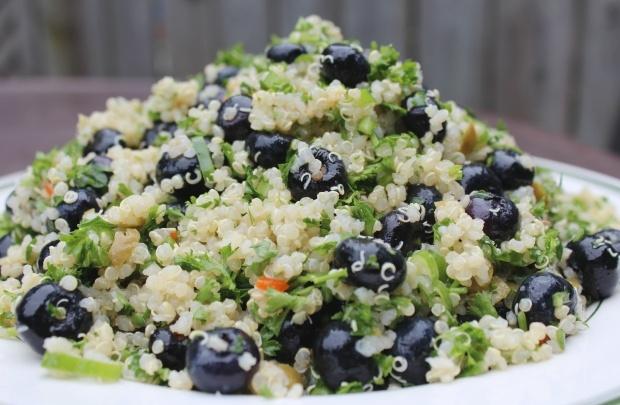 Blueberry Quinoa Salad = super yum!! | Yummy | Pinterest