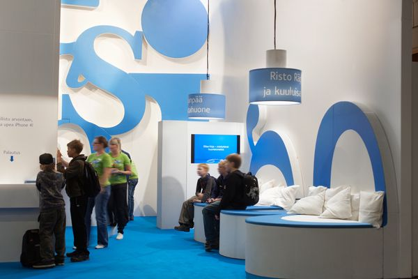 Elisa Audio Book –service was launched at Helsinki Book Fair and the stand invited tens of thousands of people to have a peek at the world of audio books and to enjoy the lounge built out of huge letters.