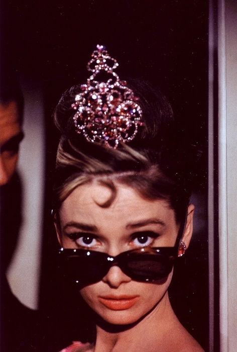 Queens, Breakfast At Tiffanys, Audrey Hepburn, Style Icons, Audreyhepburn, Holly Golightly, Princesses, Sunglasses, Tiaras