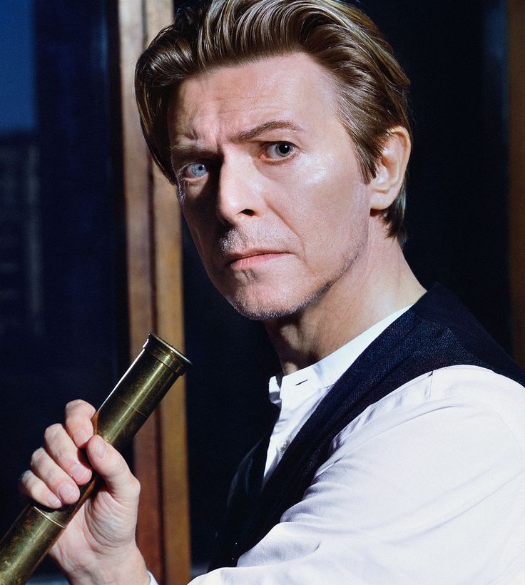 Previously unseen photographs of David Bowie go on display - Daily Record