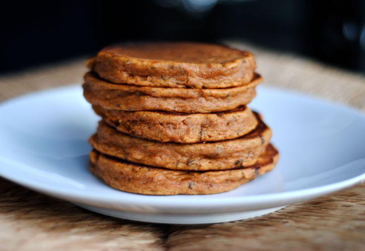Cette recette de pancake est riche en protéines et contient de très bons glucides, et elle vous satisfera entièrement niveau goût et satiété ! Alors c'est..