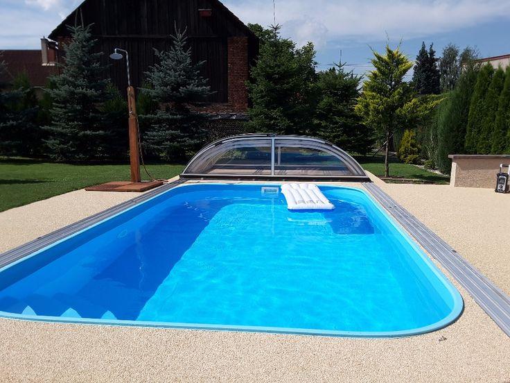 Děkujeme manželům Havranovým za zaslanou fotografii jejich realizace z mramorového kamínku Botticino okolo bazénu.  https://eshop.topstone.cz/kamenny-koberec-botticino-exterier.html  Nádhera!!! Užívejte léta! Pěkný den přejí všichni TopStone-ovi  #topstone #kamínkovýkoberec #litápodlaha #okolobazénu #swimmingpool