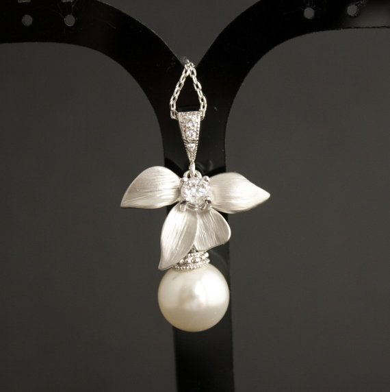 Pearl Jewelry Bridal Necklace with Swarovski by poetryjewelry, $30.00