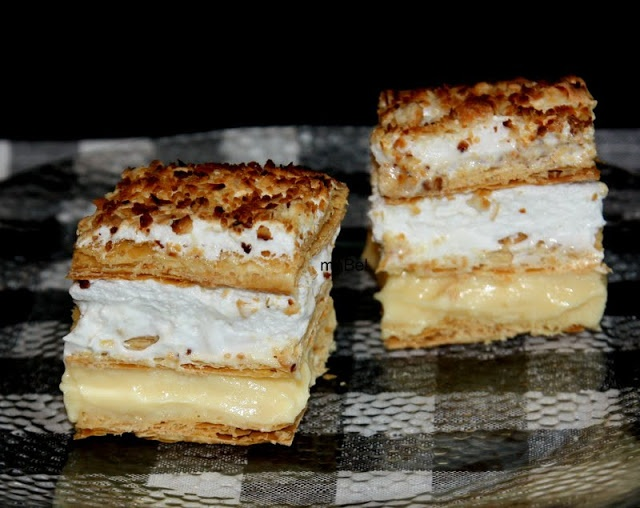 Spanish puff pastry - Costrada de Alcala  http://decoraciondemabel.blogspot.com.es/2013/03/costrada-de-alcala.html