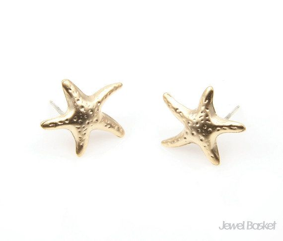 Starfish Earrings in Matte Gold   - Matte Gold Plated over Tin  - Tin / 14mm x 15mm  - 2pcs / 1pack