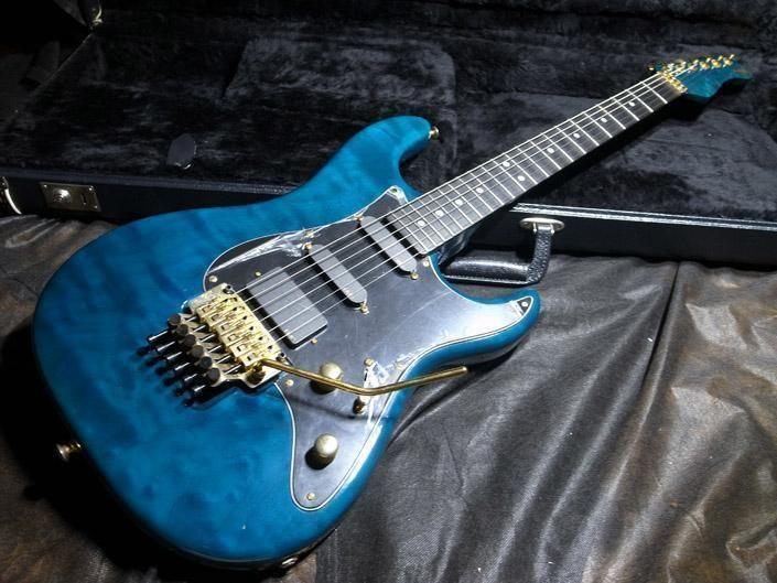 valley arts custom pro usa 1p maple 22f trans blue mint valiant valley arts guitars. Black Bedroom Furniture Sets. Home Design Ideas
