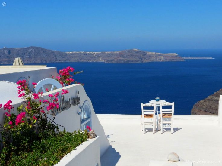 Coffee time in Firostefani - the best caldera view on the island - Santorini