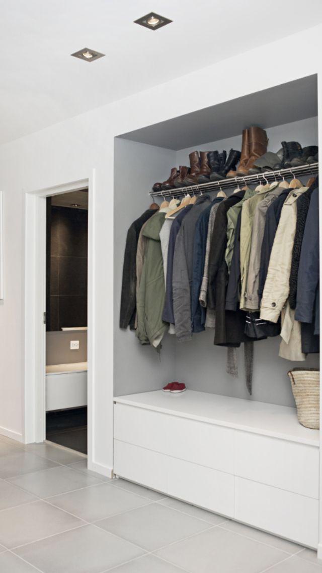 25 beste idee n over smal huis op pinterest lofts moderne gevels en moderne architectuur - Pinterest garderobe ...