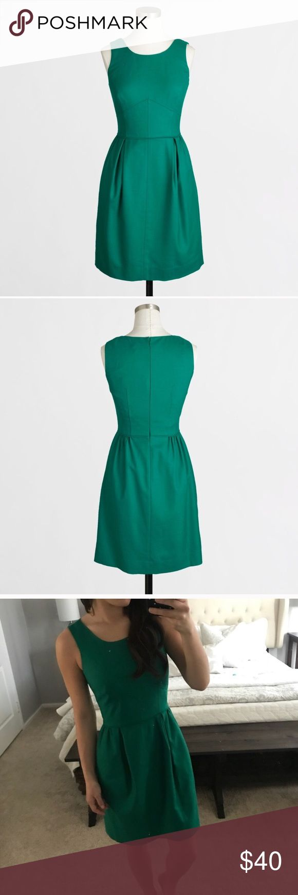 💐 J Crew Flannel Wool Career Dress Green 00 Beautiful dark emerald green dress with fitted bodice, high neck and flare skirt. Perfect to wear to work or on a day out. Bundle to save 💕 J. Crew Factory Dresses