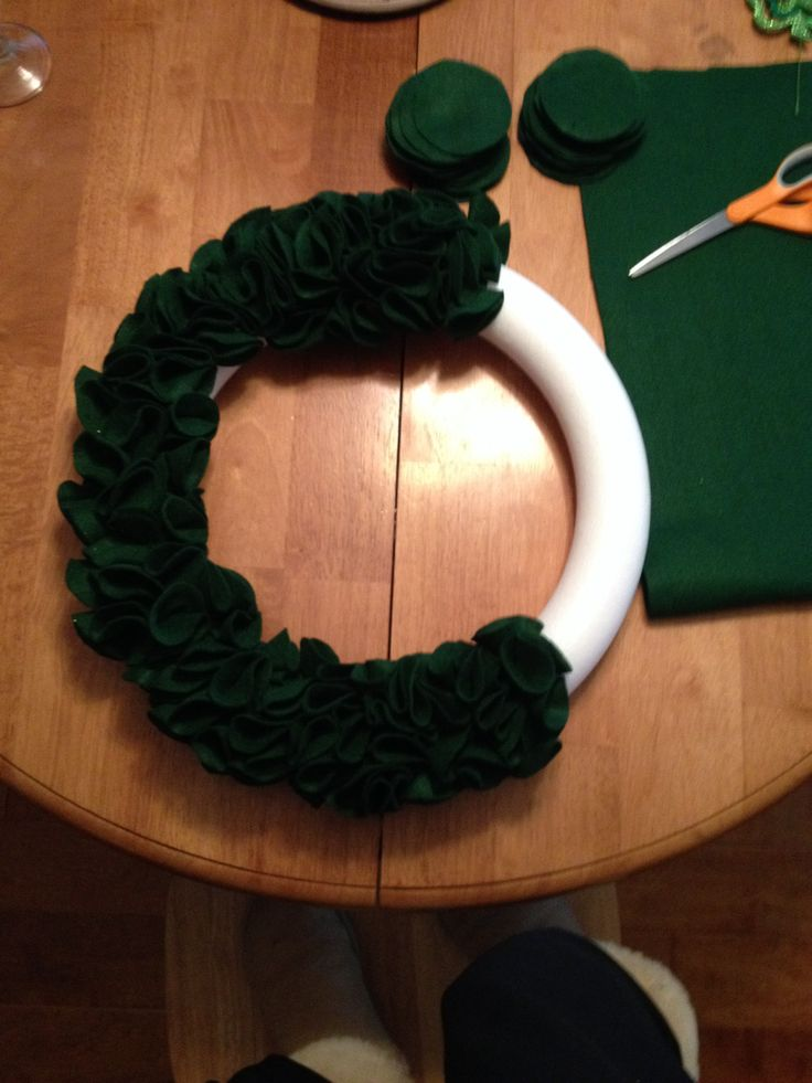 I made another door wreath from felt pieces This one for Saint Patty's day.
