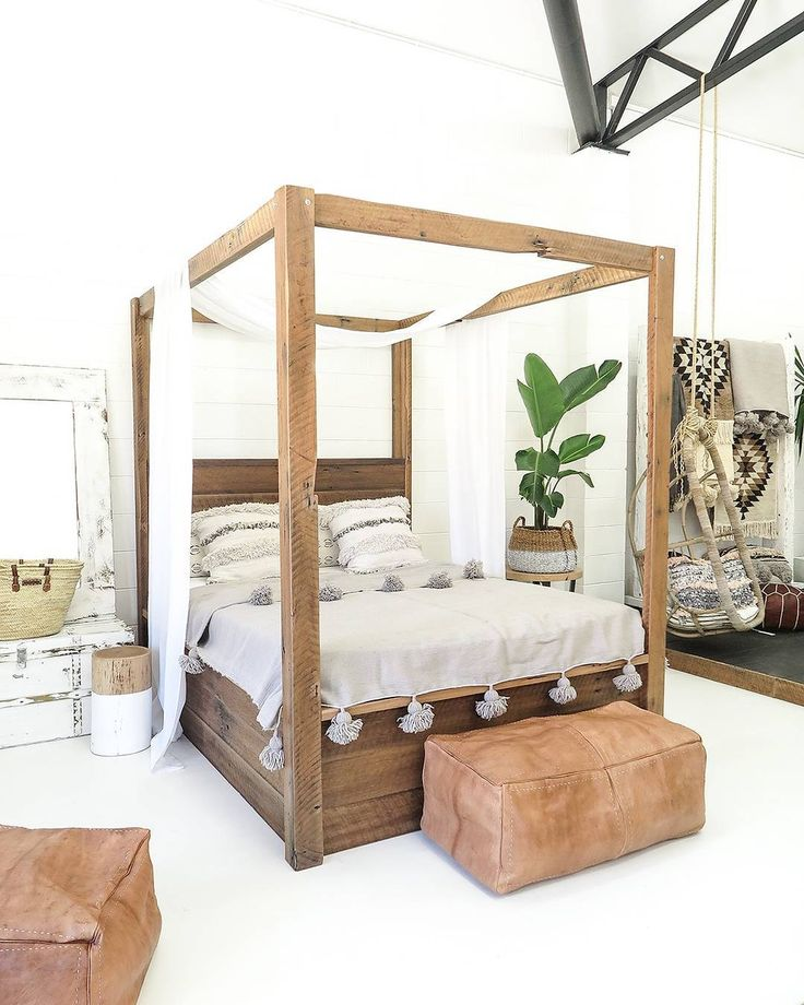 25+ Best Ideas About Four Poster Beds On Pinterest