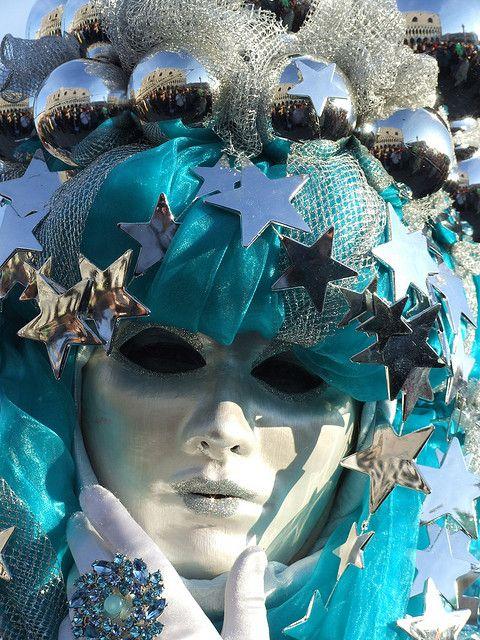 Ognuno vive il #Carnevale indossando la #maschera che meglio rappresenta il vero se stesso.