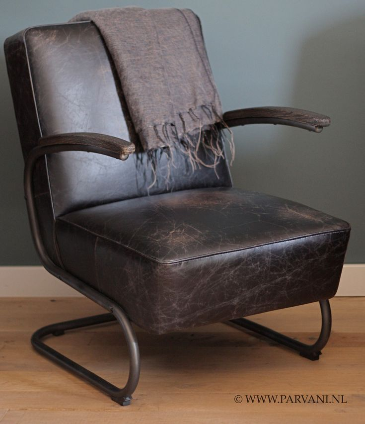 Parvani | Vintage-leren-fauteuil-stoel-robuust