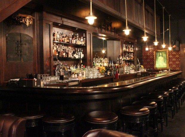bar scenes | The Night Light brightens the bar scene near Jack London Square