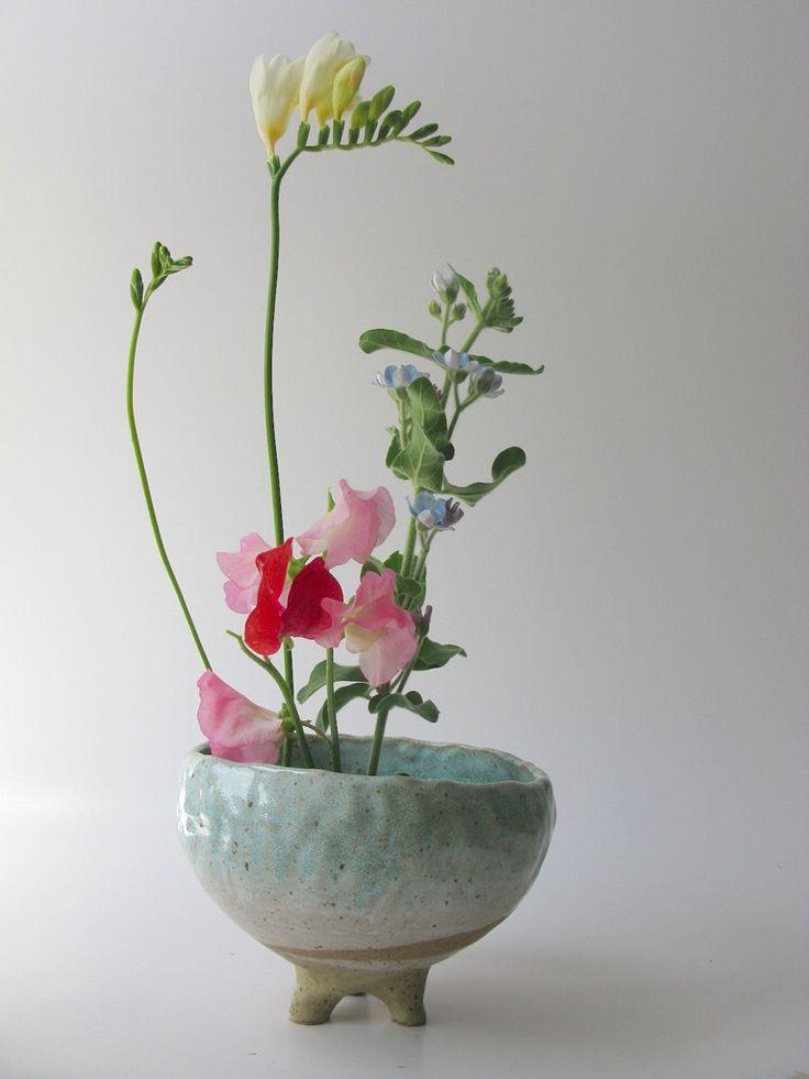 Shino Takeda leg planter without drainage holes - blue| Mr Kitly