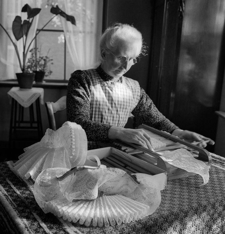 Mutsenmaakster, Hoogland (1950-1960) #Hoogland #Eemland #Utrecht