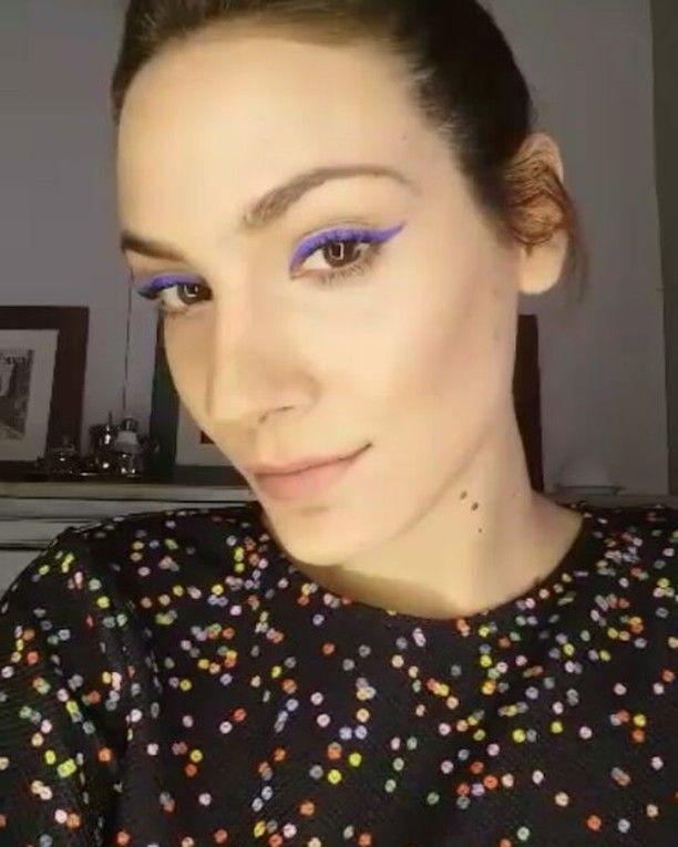 Un ����el delineador líquido color azul de #sephora! ,a demás viene con un hueco para meter el dedo ! super cómodo ! bases  y correctores de @kryolanofficial  #rubor y #labial de @approfessionaloficial �� #makeup #instamakeup  #cosmetic #cosmetics #fashion #lipstick #gloss #mascara #palettes #eyeliner #lip #lips #tar #concealer #foundation #powder #eyes  #lashes #lash #crease #primers #base #beauty #beautiful http://ameritrustshield.com/ipost/1564054771945858593/?code=BW0o4dDFmYh