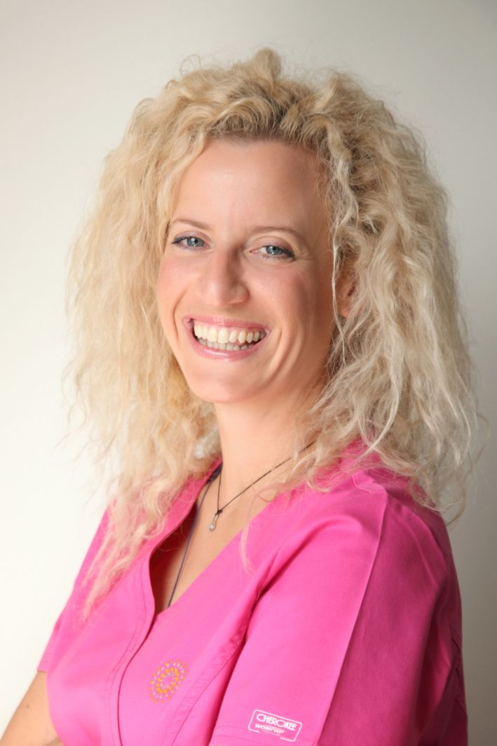 Χρυσηΐδα | νοσηλεύτρια, υπεύθυνη της ομάδας των μαιών, συντονίστρια προγραμμάτων εξωσωματικής Chrisiida | head of ivf nurses http://gennima.com/el/gennima/people/nurses #gennima #ivf