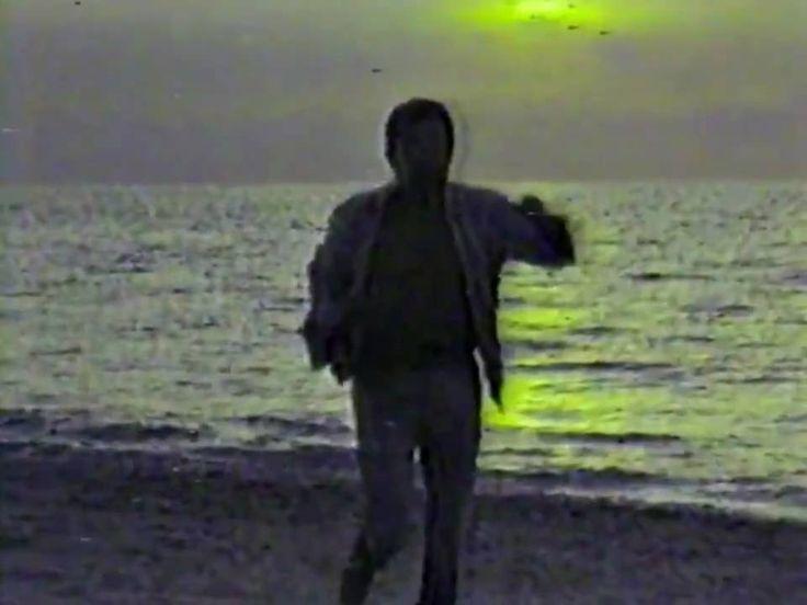 La más exitosa canción de Vicente Rojas en este vídeo de 1984 (Cuba), hecho para el exclusivo Canal del Sol (al que solo tenían acceso los televisores de los...