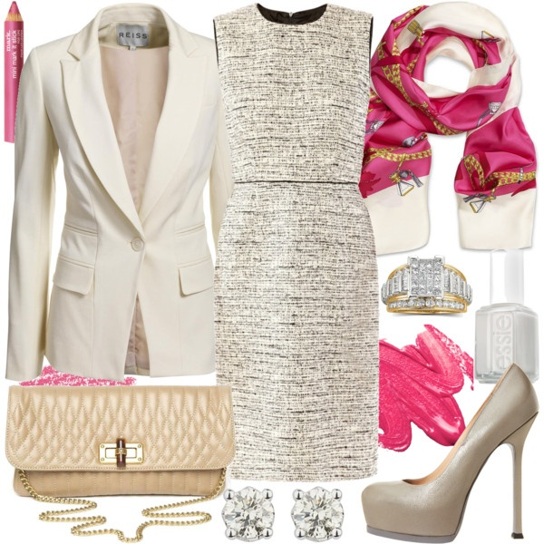 """Business / Church wear:  beige vs white  **  """"Holy City""""  = recommended  White attire  \o/"""