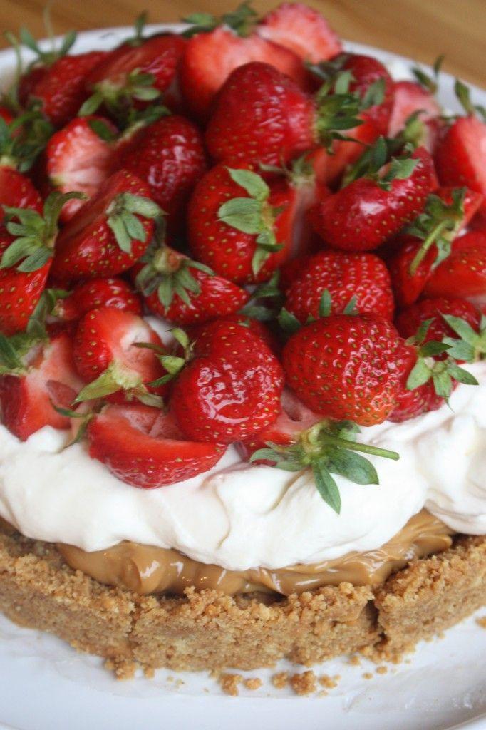Koladröm med färska jordgubbar   Bakverk och Fikastunder