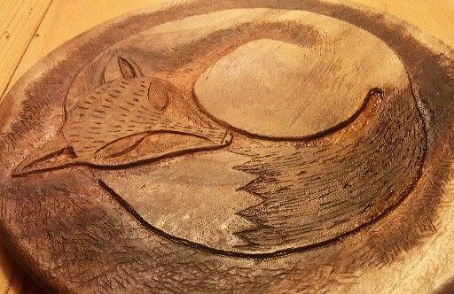 Tagliere in legno intarsiato.