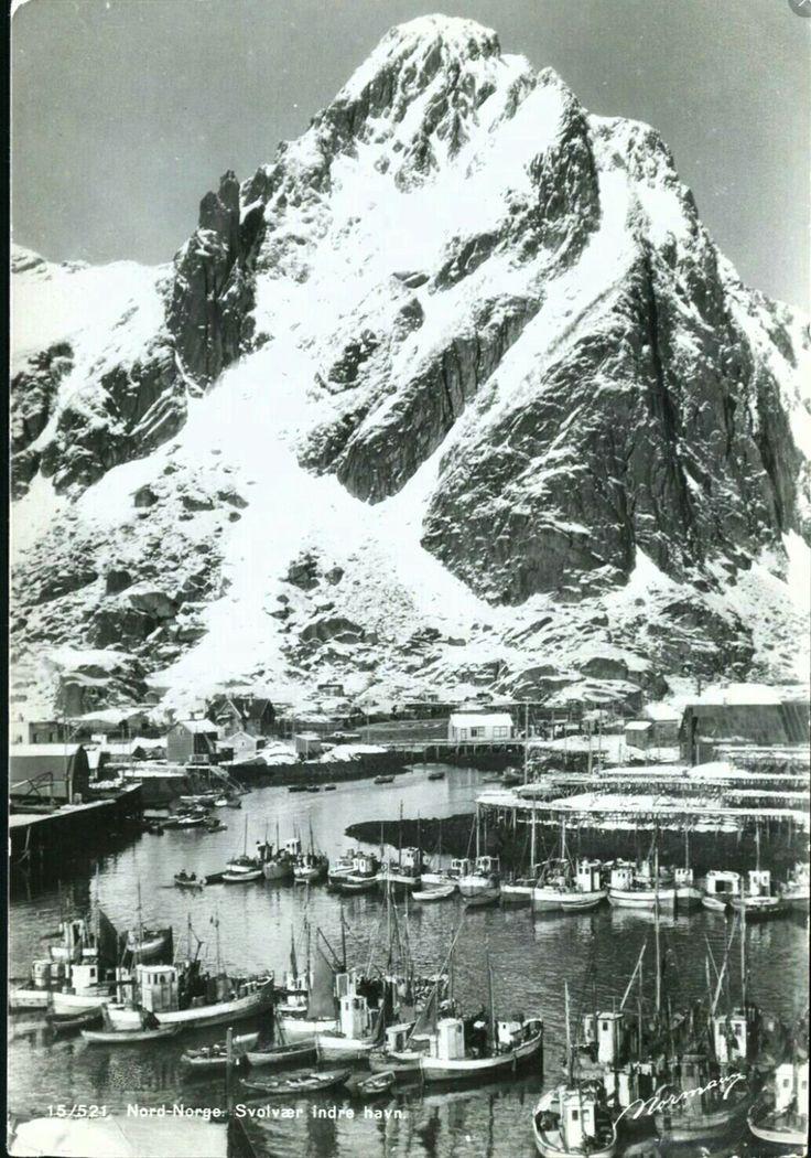 Nordland fylke (Vågan kommune  SVOLVÆR. INDRE HAVN. Mange fiskebåter. Utg Normann
