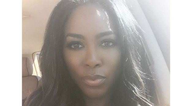 Ouch! Kenya Moore Finds Out 'Millionaire Matchmaker' Boyfriend Is Married, Vivica Fox Throws Shade