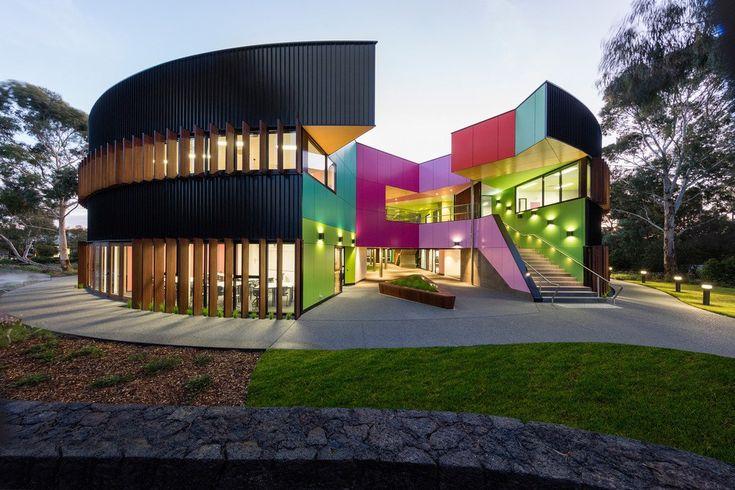 Puro color en la escuela Ivanhoe Grammar Senior Years & Science Centre.