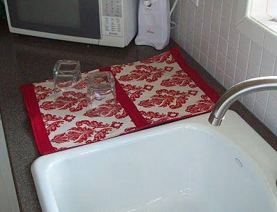 Dish-drying Mats: Pretty & functional mats for dishesDry Racks, Beautiful Dry, Mats Ideas, Scissors, Dishes Dry Mats, Dry Dishes, Diy Dishes, Dishes Mats, Crafts