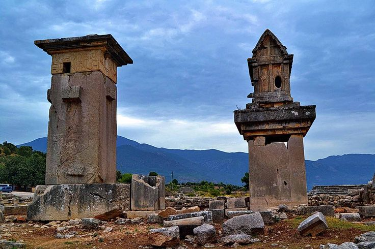 Harpy lahit anıtı ve Likya lahdi.. / Harpy Tomb Monument and Lycian Sarcophagus.. Xanthos