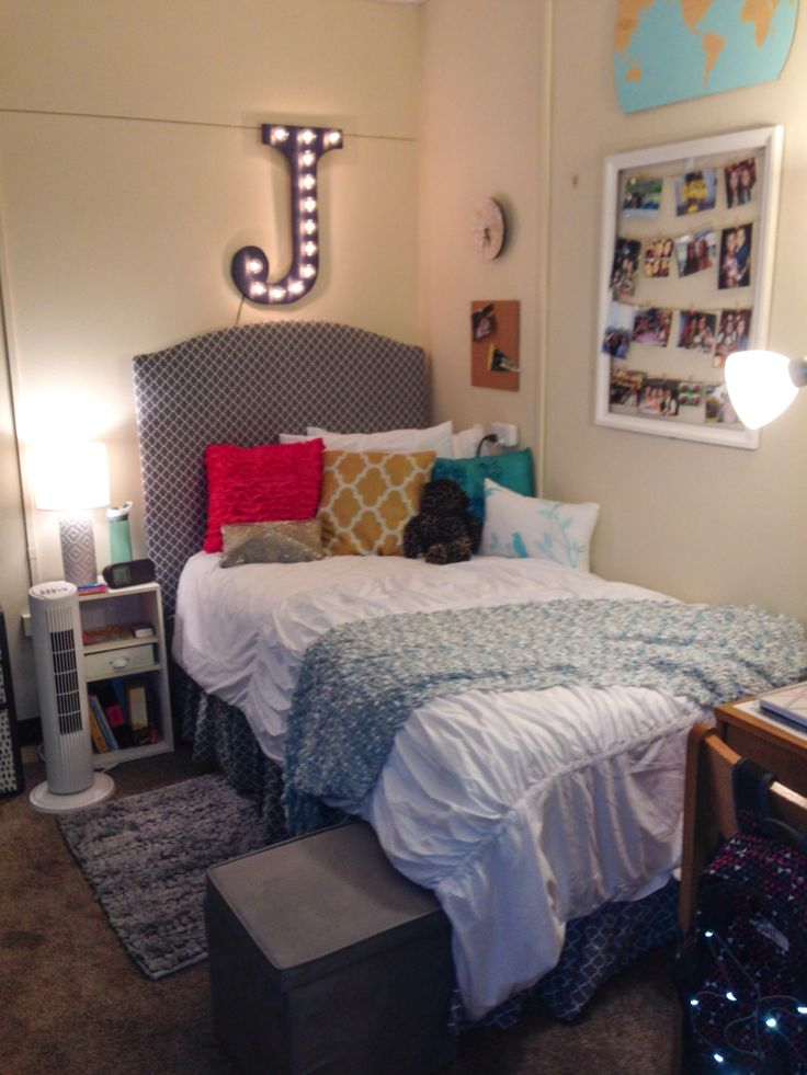 Decorating Ideas > 1000+ Ideas About Dorm Room Headboards On Pinterest  Dorm  ~ 044206_Dorm Room Headboard Ideas