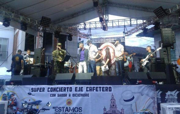 Con una masiva participación se realizó el súper concierto cafetero en honor a las Fuerzas Militares