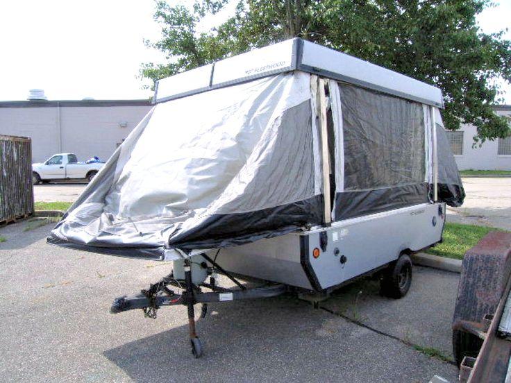 2006 Fleetwood camper with pop up tent on GovLiquidation.