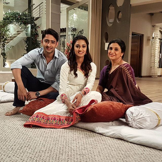 Right from the sets #KRPKAB #trio #dev #sona #ishwari [erica fernandes]