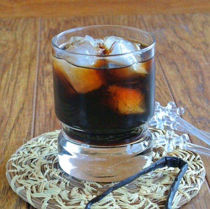 Homemade Kahlua Recipe Beverages with brewed coffee, sugar, rum, vanilla beans, vanilla extract