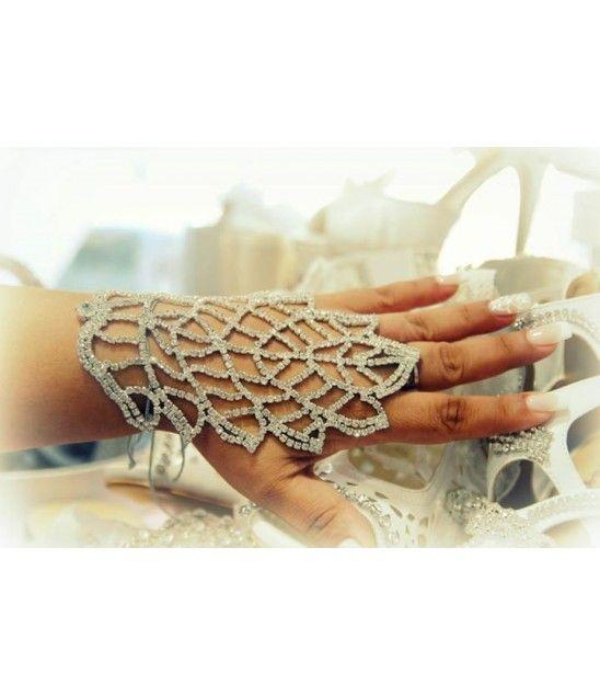 Χειροποίητο νυφικό ring chain bracelet με πραγματικούς κρυστάλλους.