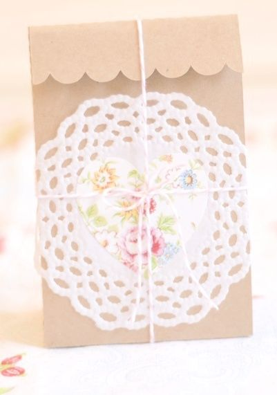 DIY gift bag #paperdoilies