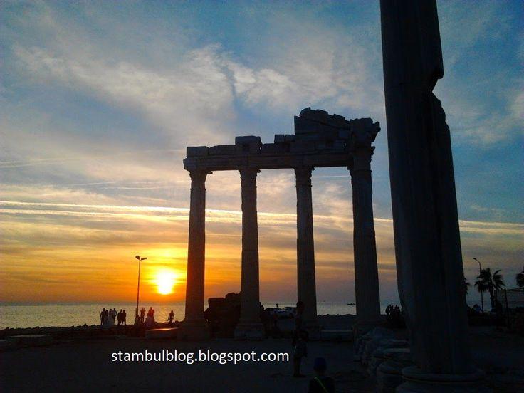 храм Аполона закат