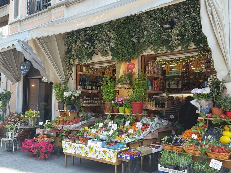 Milano. Brera. Frutta&Verdura.