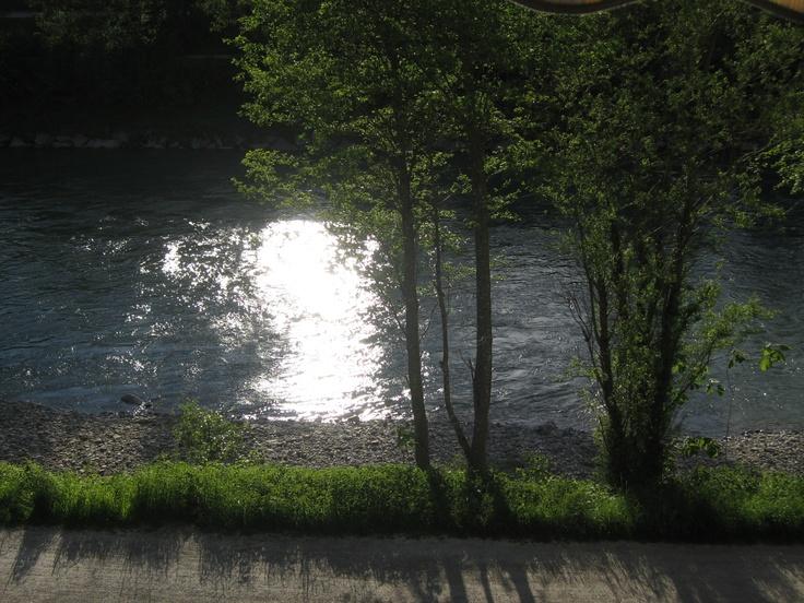 """Meu rio """"Salzach"""" com o sol"""